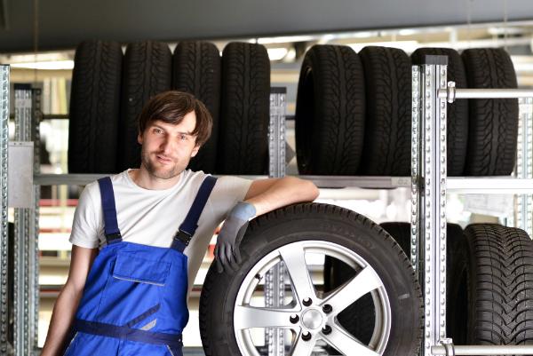 Alle Groessen von Reifen lagern