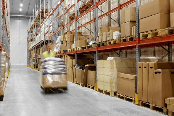 Regallagerung in der Logistik